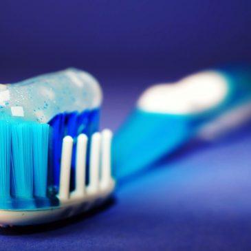 Разбор составов: зубная паста с фтором