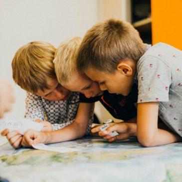 В чем разница между образованием в школе и семейным образованием?