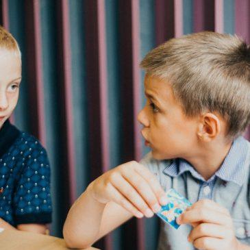 Как помочь ребенку посмотреть на себя со стороны?
