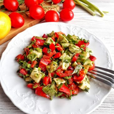 Зеленый салат с греческим соусом | Green salad with a Greek sauce